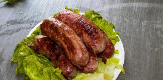 Также, Атомановский дом интернат занимается производством и реализацией хлебобулочных изделий, мяса и консервов.