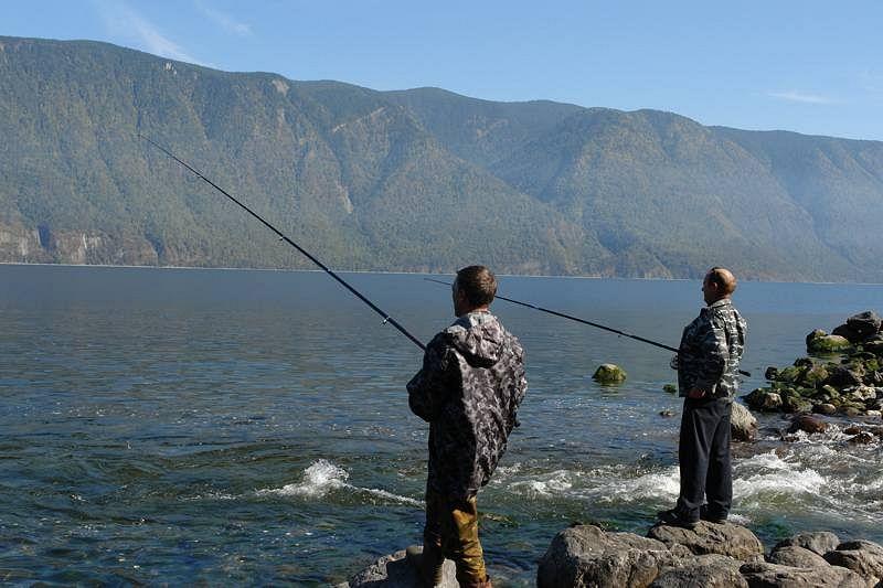 Телецкое озеро рыбалка алтай