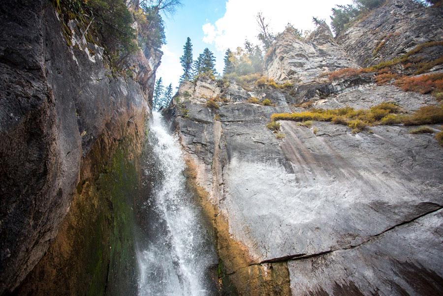 5 водопадов, которые нужно посетить каждому гостю Сибири