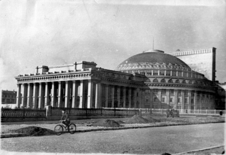 Новосибирский академический театр – крупнейший в России